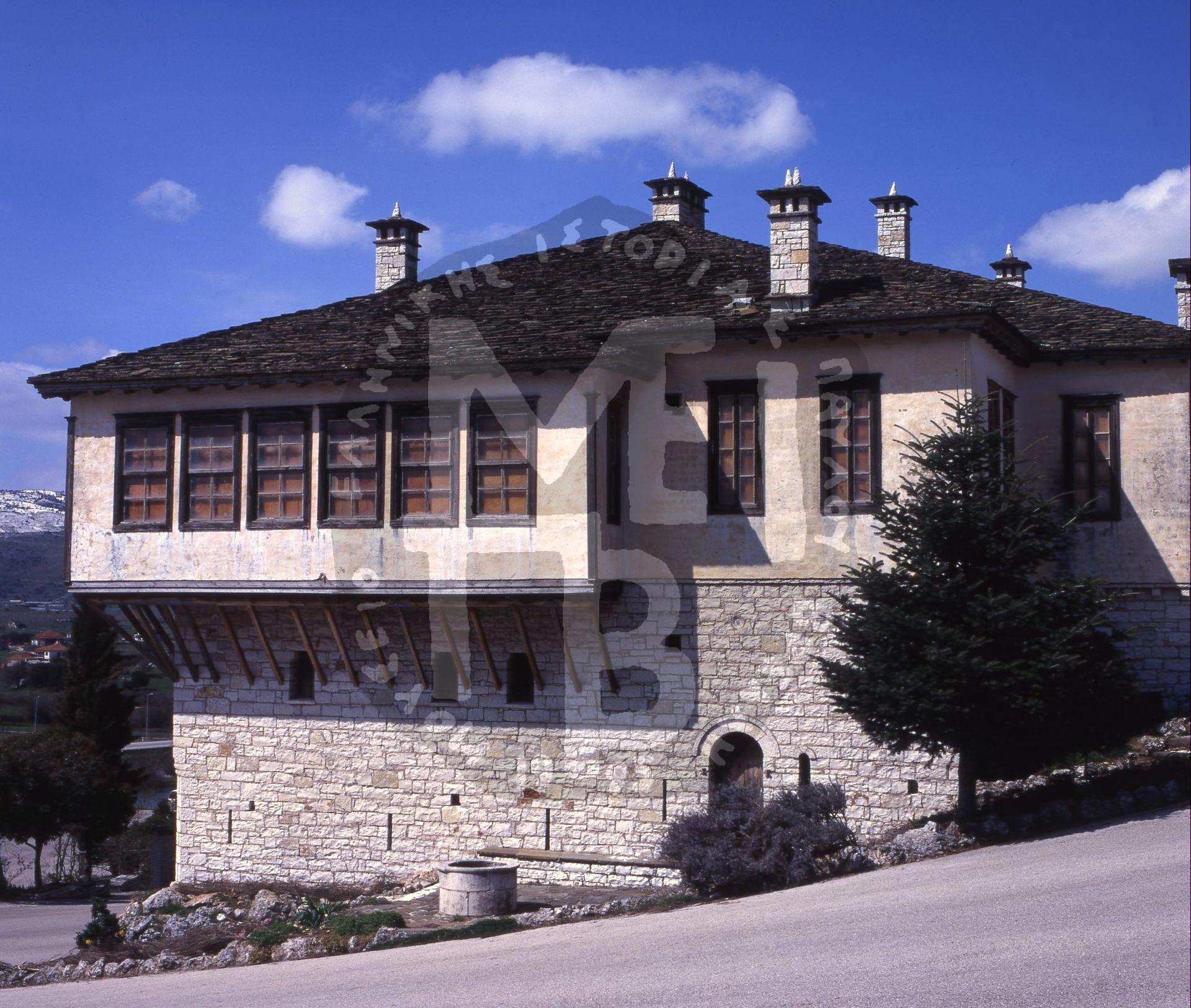 Κτίριο-Μουσείου-Πλάγια-Όψη-2